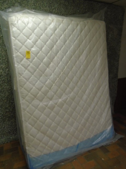 ***New Full Size Mattress and Box***