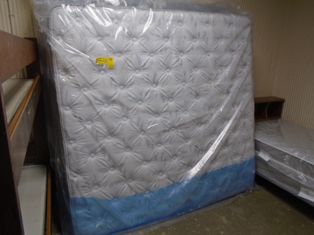 King Size Pillow Top Mattress and Box Set