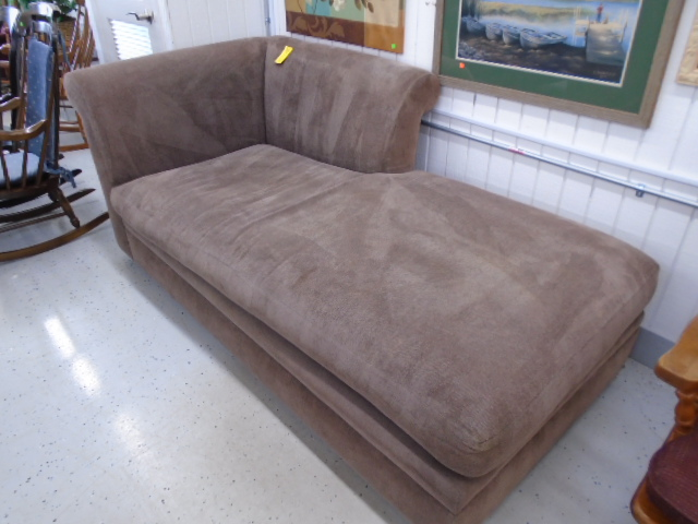 Chaise / Fainting Couch