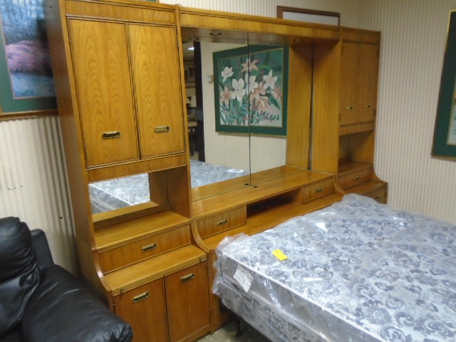 Queen Size Wall Unit